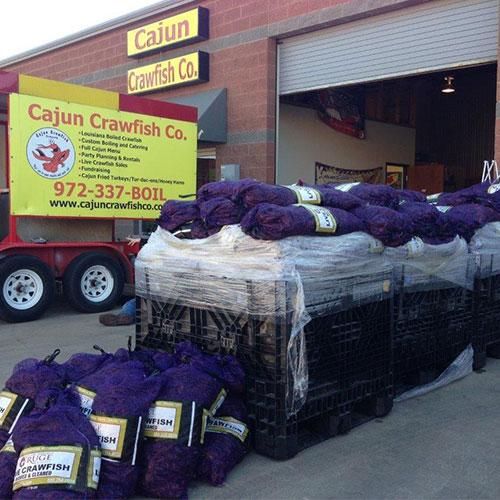 BUY LIVE CRAWFISH | CAJUN CRAWFISH COMPANY | Dallas' #1 Cajun Catering Company Since 1998